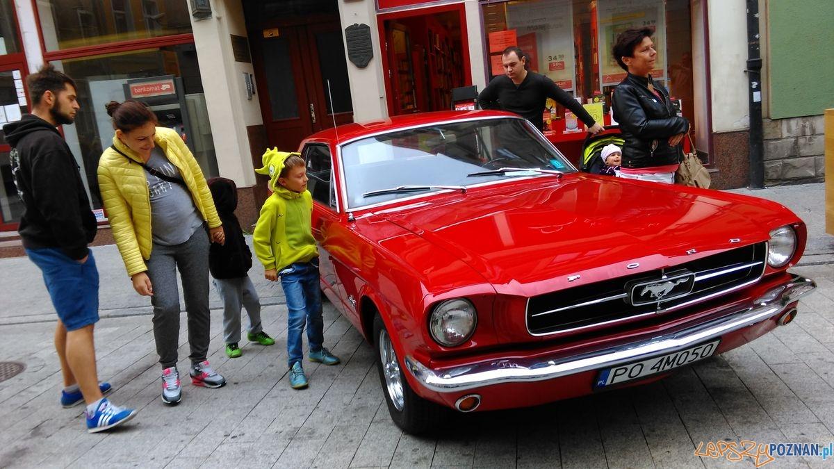 dni-starego-miasta-zabytkowe-samochody-na-wroclawskiej-fot-t-1  Foto: