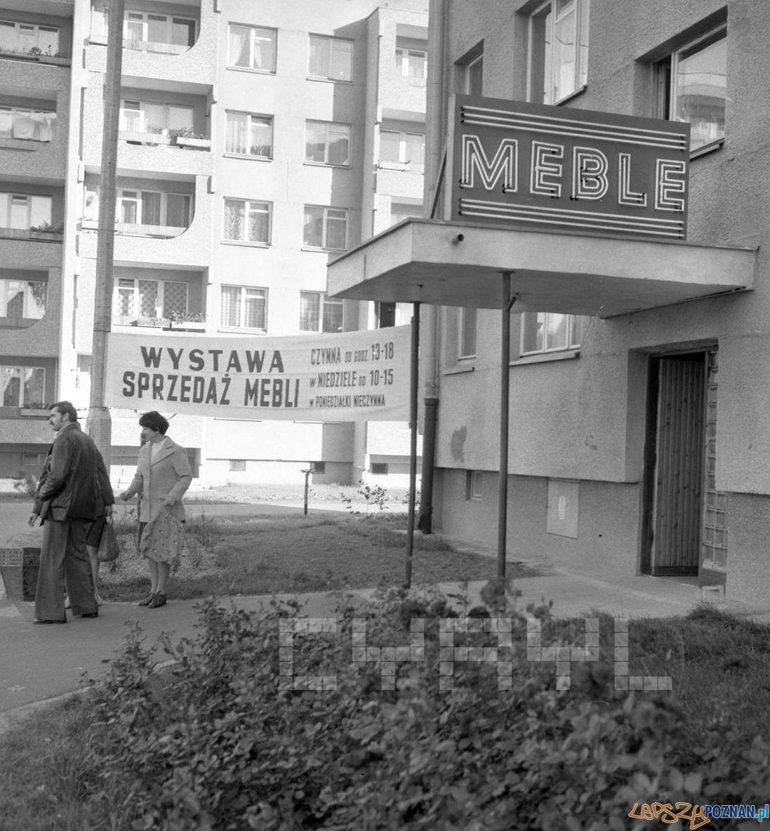 Wzorcowe mieszkanie - wystawa i sprzedaż mebli na Os. Czecha - 25.09.1978  Foto: Stanisław Wiktor / Cyryl