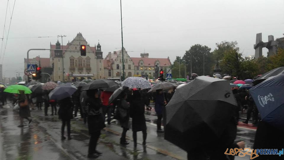 Czarny Protest - zablokowany Poznań  Foto: