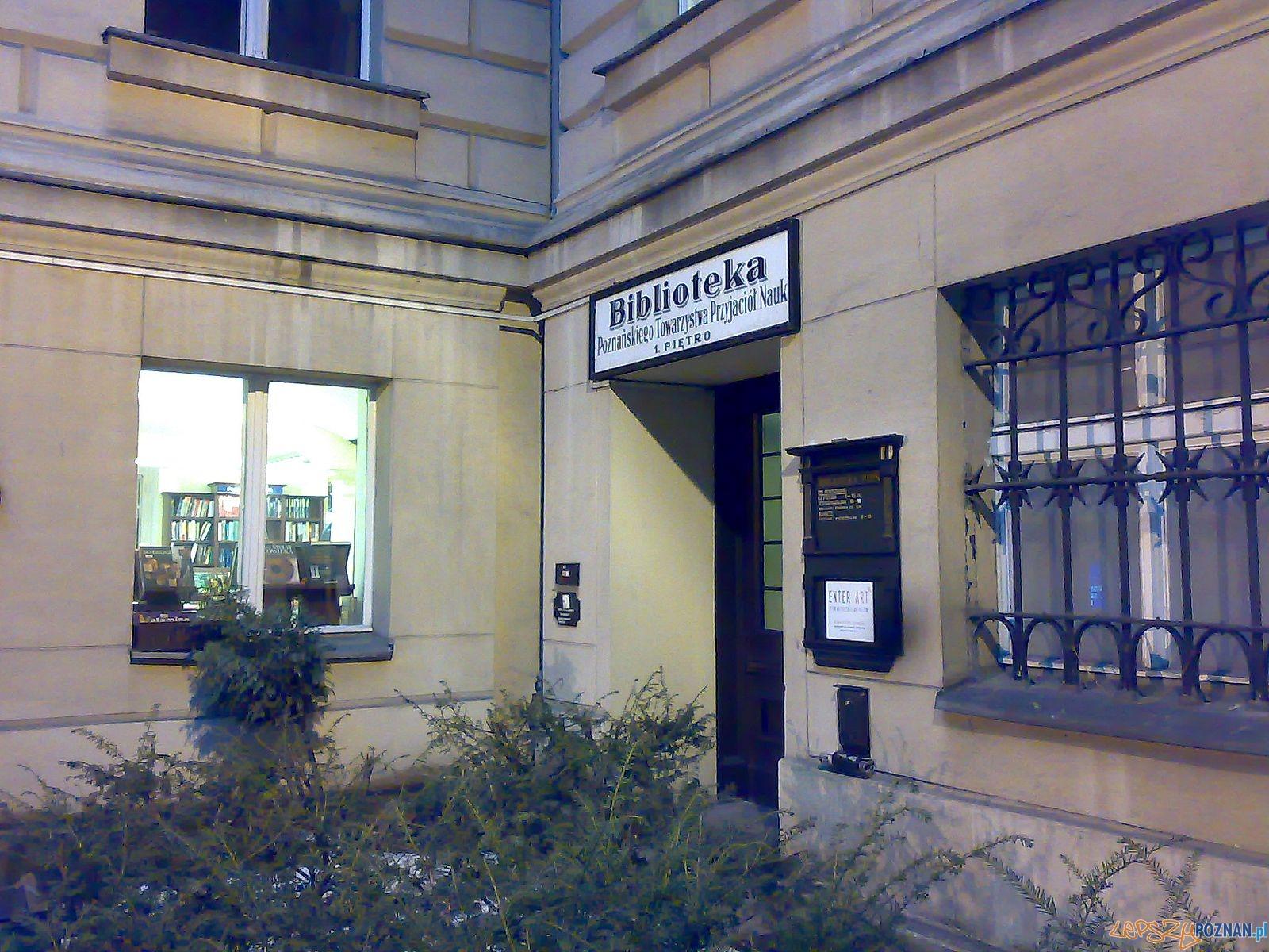 Biblioteka PTPN  Foto: MOs810 / wikipedia