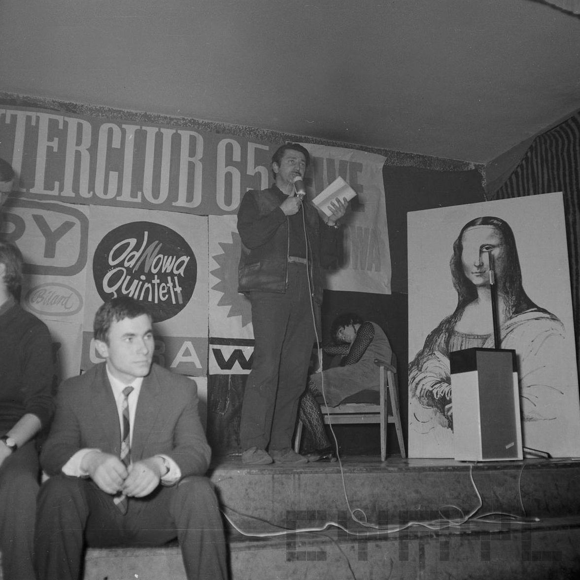 Ryszard Danecki - scena klubu OdNowa przy Wielkiej - rok 1965  Foto: Jerzy Nowakowski / Cyryl