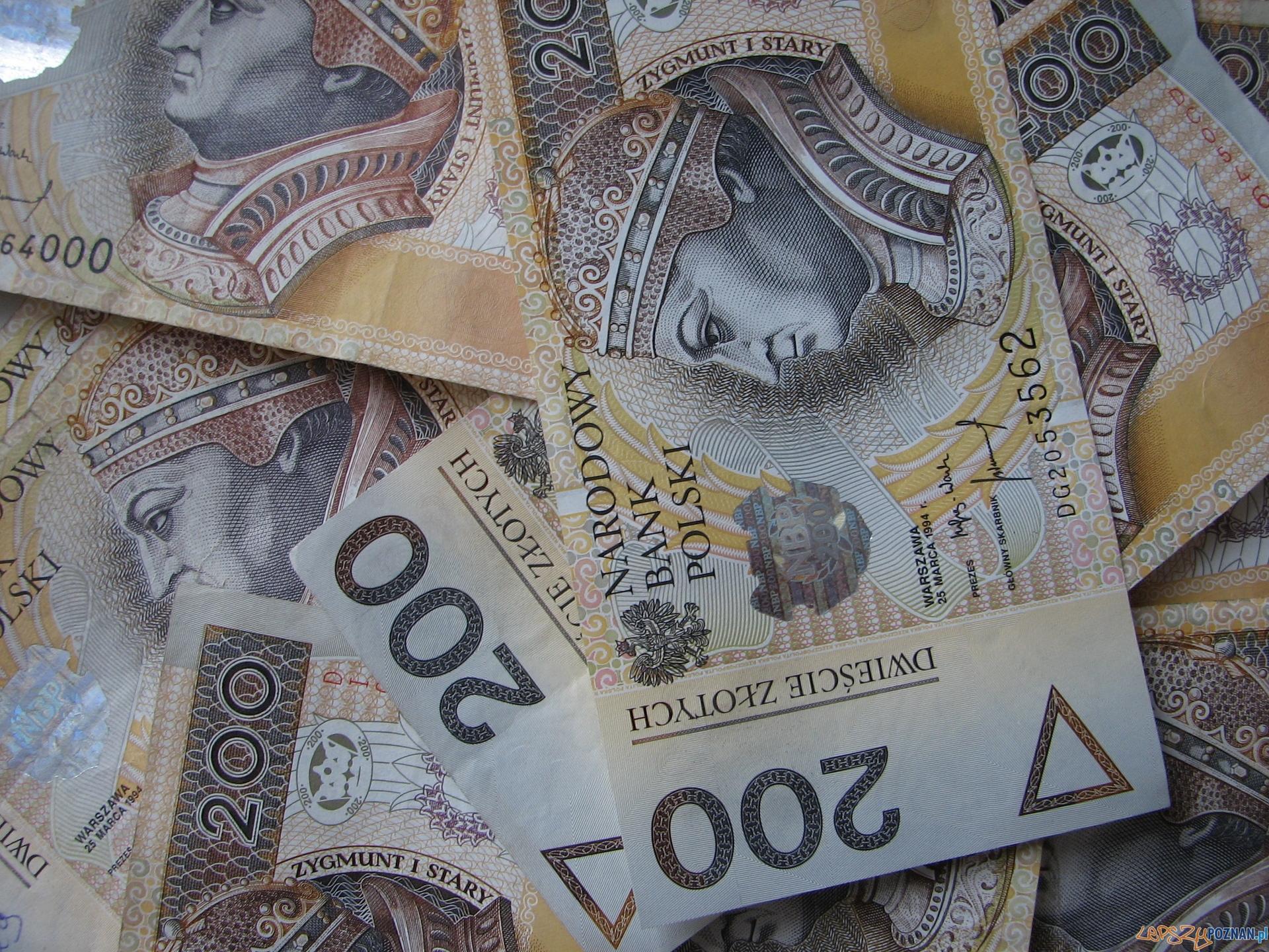 banknoty  Foto: sxc / Marcin Krawczyk