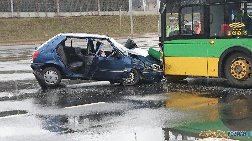 Wypadek na Hlonda  Foto: MotoMerkury