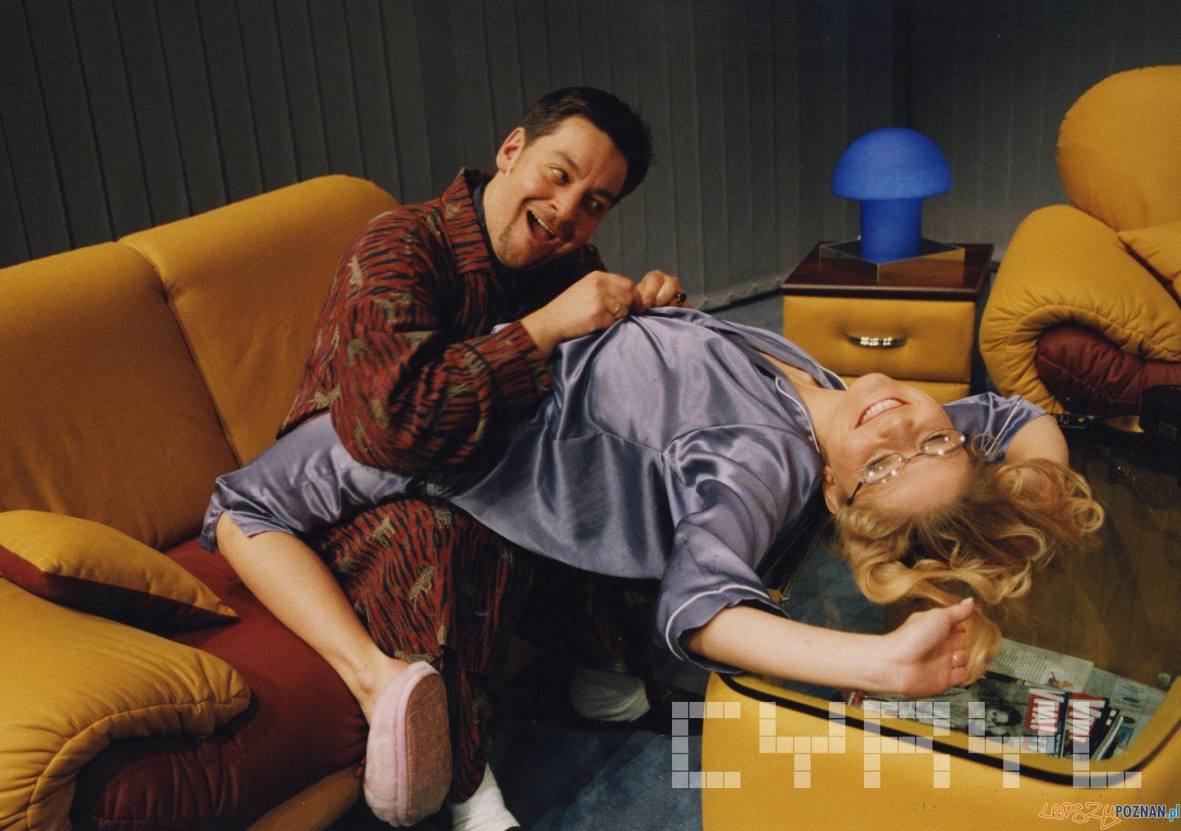 Mariusz Sabiniewicz i Anna Kałużna - Fredro dla dorosłych - Teatr Nowy 1999  Foto: Andrzej Kołodziejczyk / Teatr Nowy / Cyryl