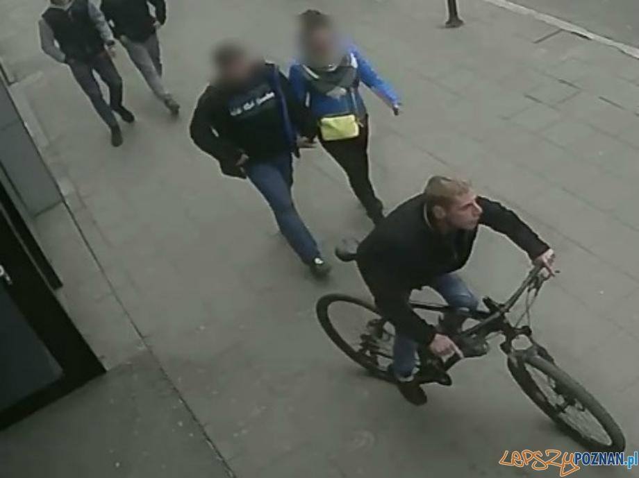 Kim jest złodziej roweru?  Foto: monitoring