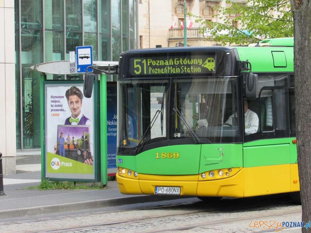 Autobus-linii-nr-51 - przystanek Uniwersytet Ekonomiczny  Foto: materiały informacyjne ZTM