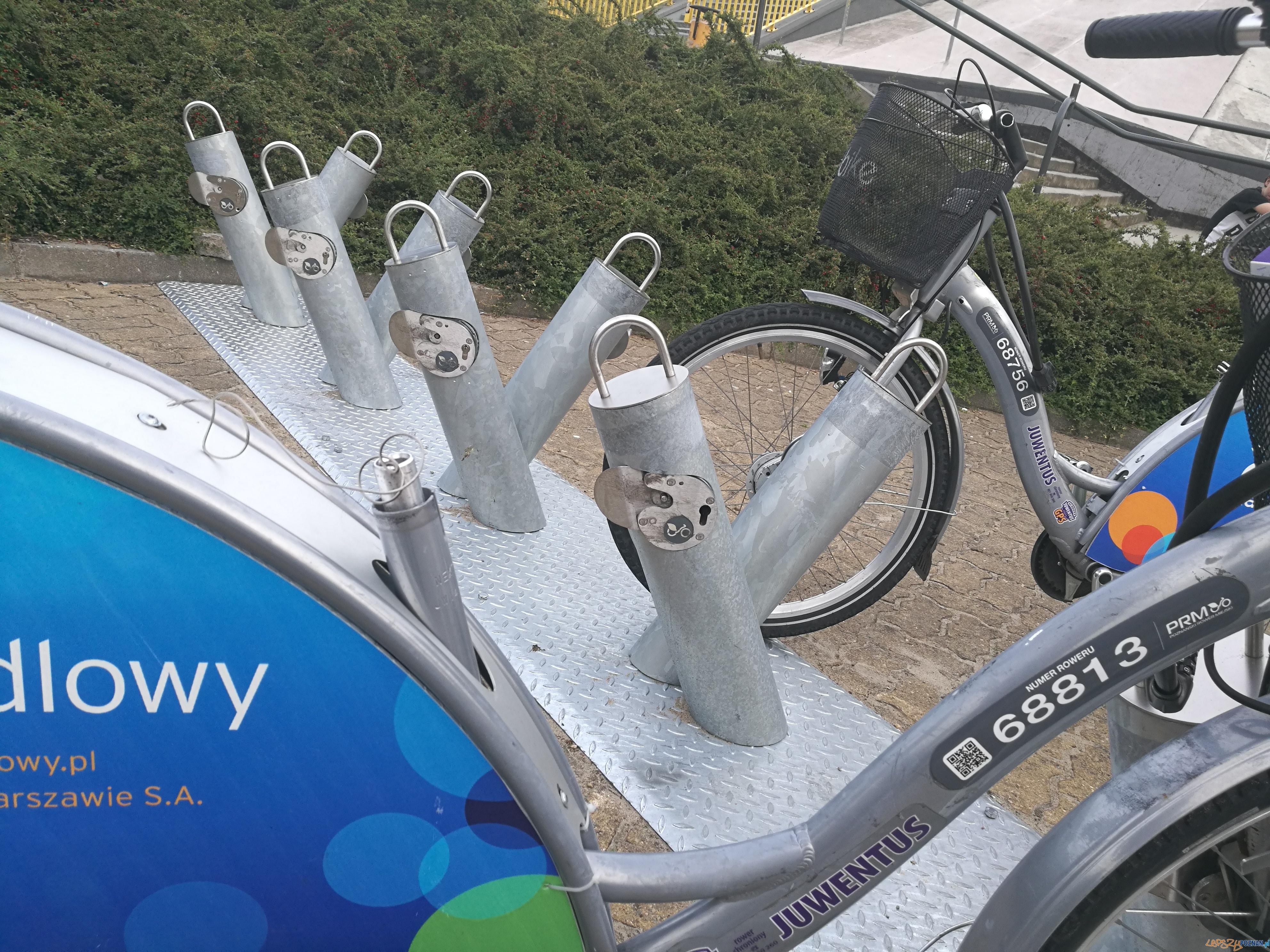 Uszkodzone rowery miejskie  Foto: Marcin