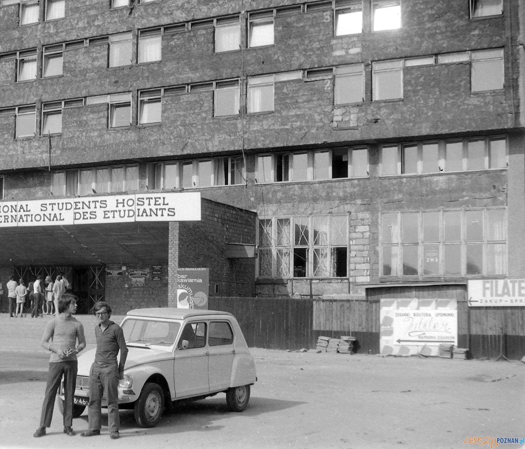 Klub Akumulatory - rok 1972  Foto: Bogdan Celichowski / fortepan.hu / CC