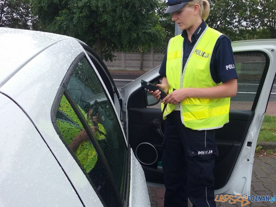 Kontrole samochodów do nauki jazdy  Foto: KMP