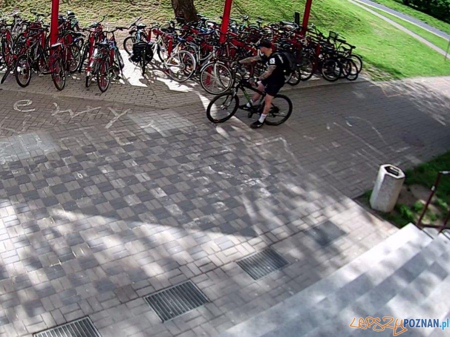 Poszukiwany złodziej i rower!  Foto: monitoring