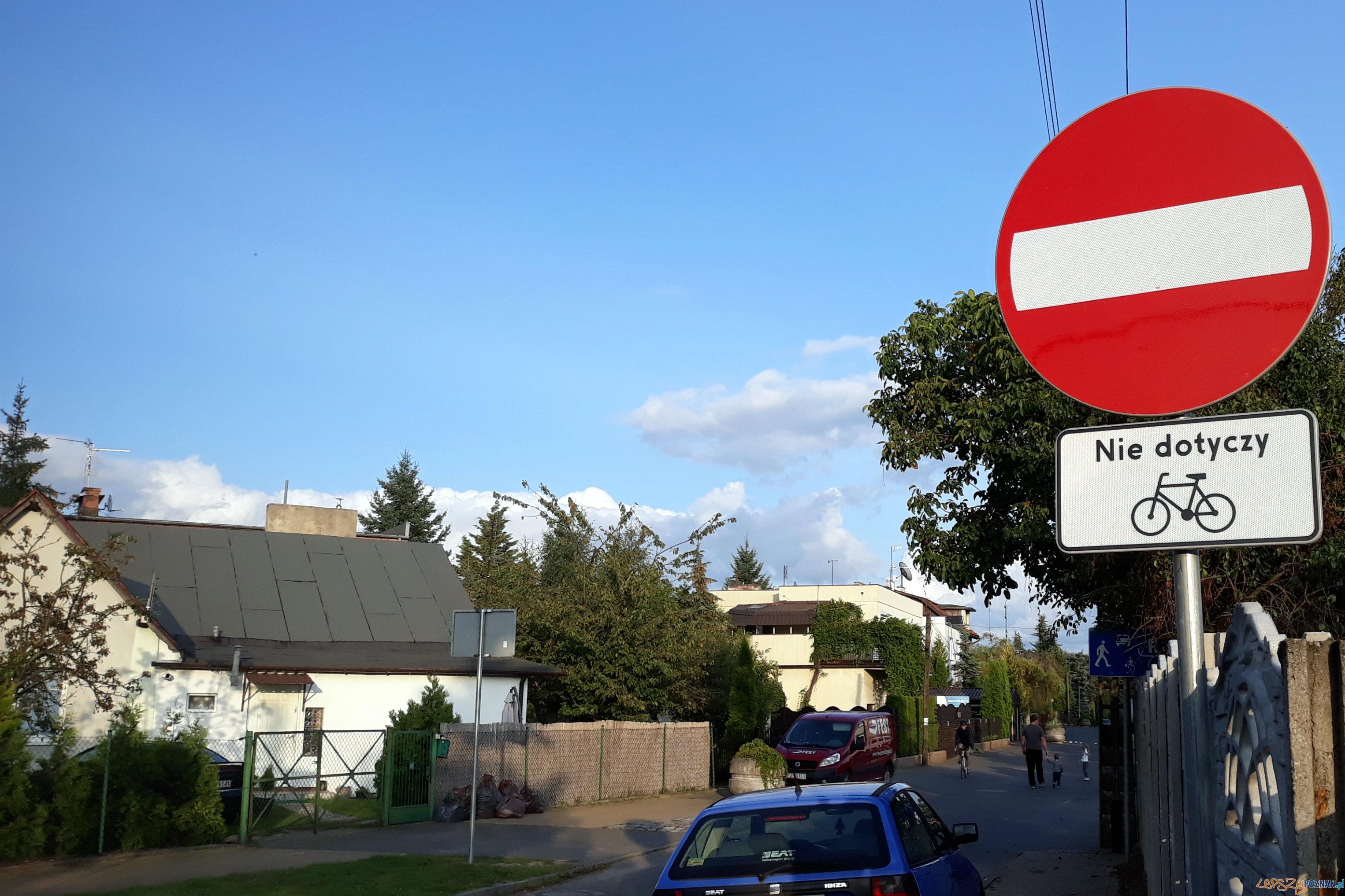 Pusta tylko w jednym kierunku  Foto: fb.com/poznan.antoninek