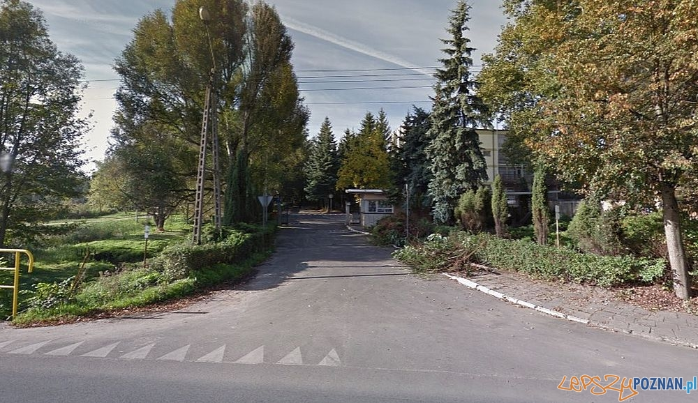 Chojnicka - wjazd do ośrodka szkoleniowego Policji  Foto: google street