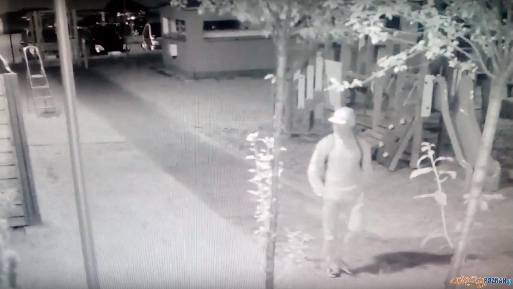 Kim jest ten złodziej roweru?  Foto: monitoring
