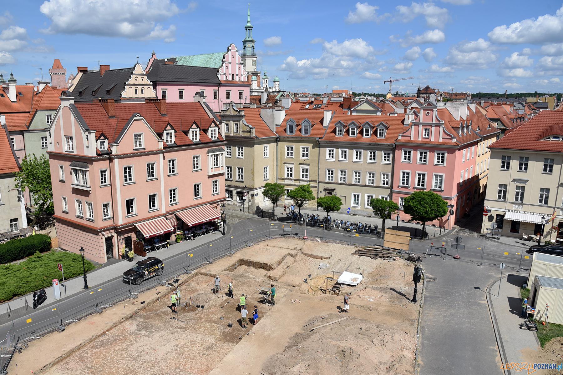 Plac Kolegiacki skrywa wiele skarbów i tajemnic  Foto: UMP