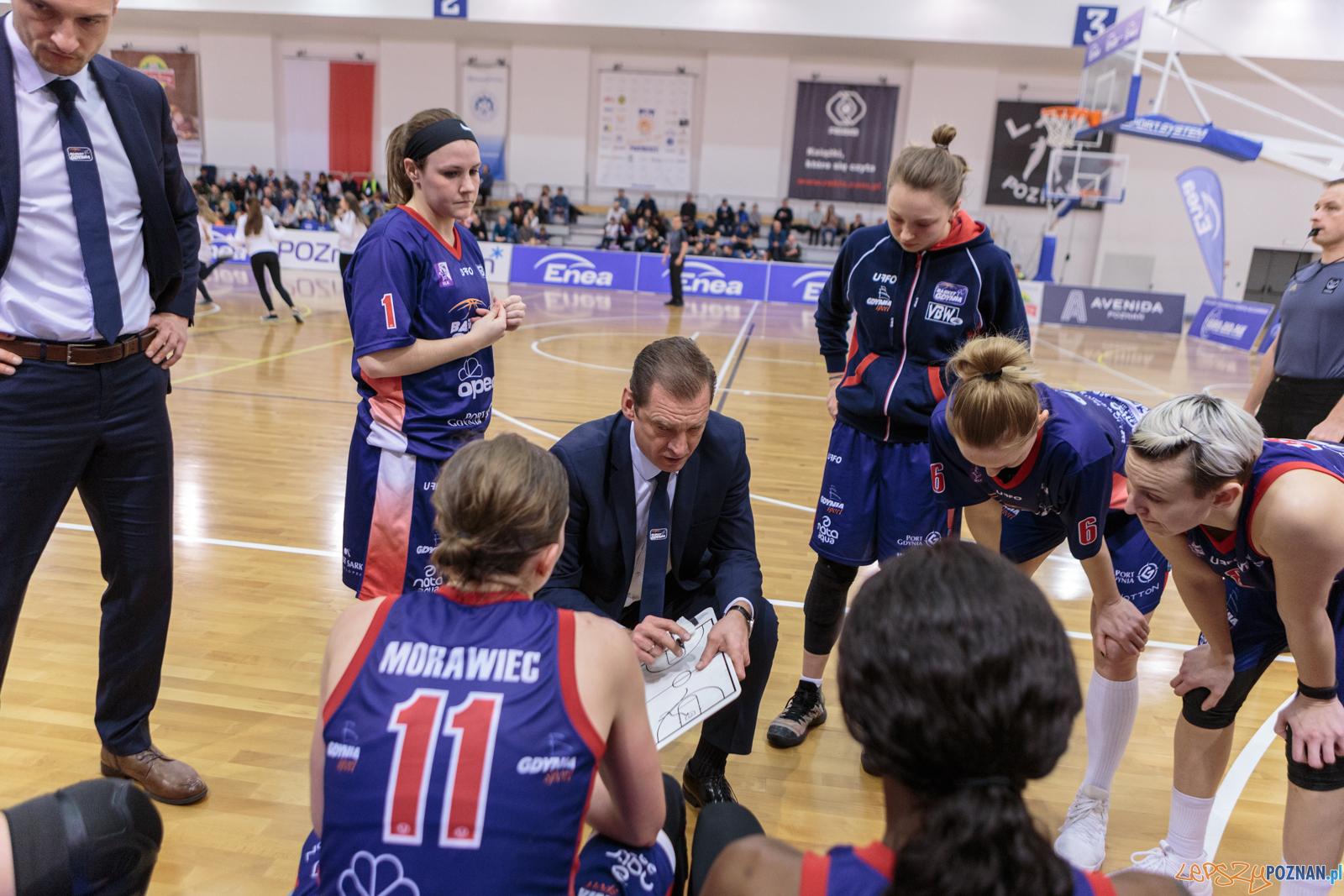 BLK: Enea AZS Poznań - Basket 90 Gdynia 70:68 - Poznań 07.01.2  Foto: Pawel Rychter