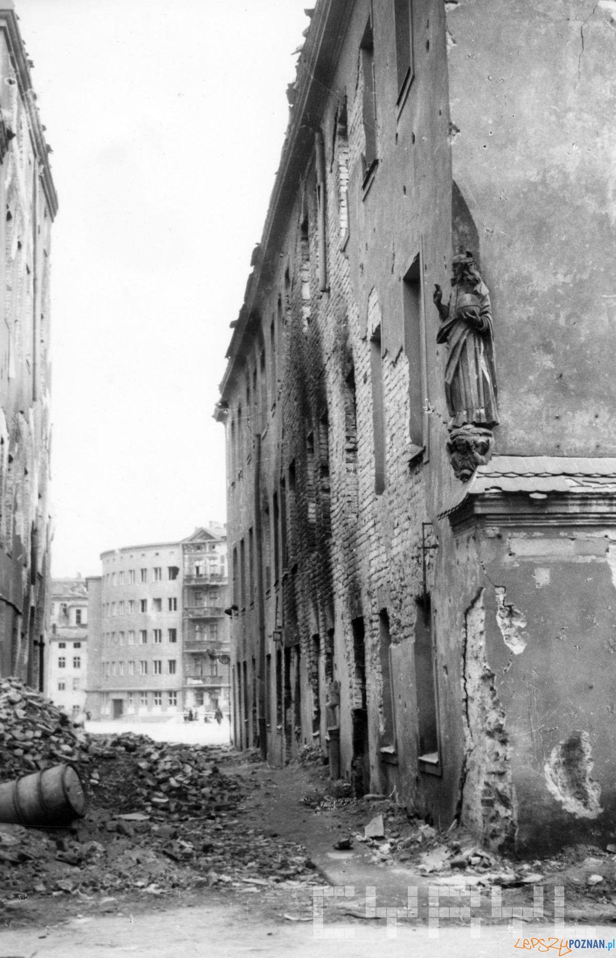 Ulica Kozia - 1945 - wojenny Poznań  Foto: Zbigniew Zielonacki / Cyryl