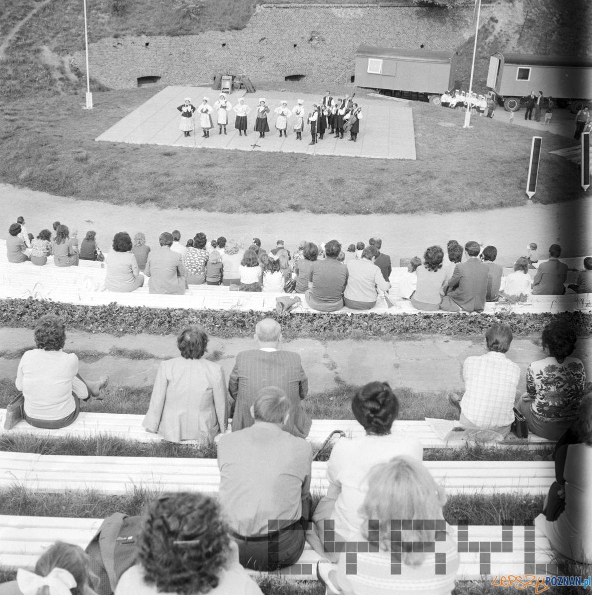 Amfiteatr Cytadela wystep 30 lat Gazeta Poznanska 10.05.75  Foto: Stanisław Wiktor / Cyryl