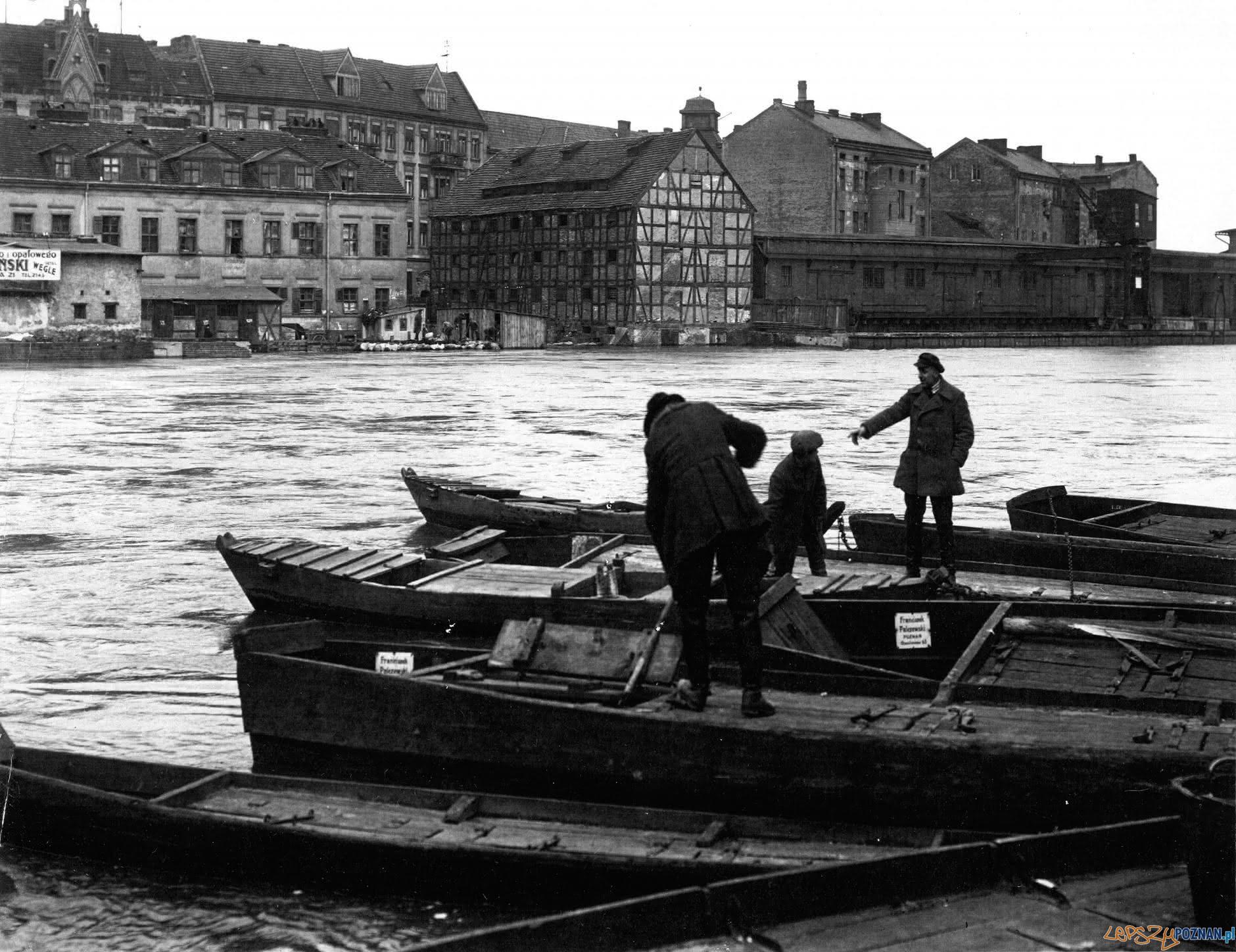 Warta - 1924 - widok na Podwórze Barlebena  Foto: R.S. Ulatowski / MKZ