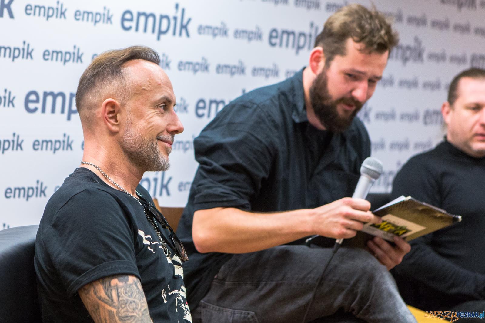 Behemoth na spotkaniu ze swoimi fanami w poznańskim Empiku - Po  Foto: LepszyPOZNAN.pl / Paweł Rychter
