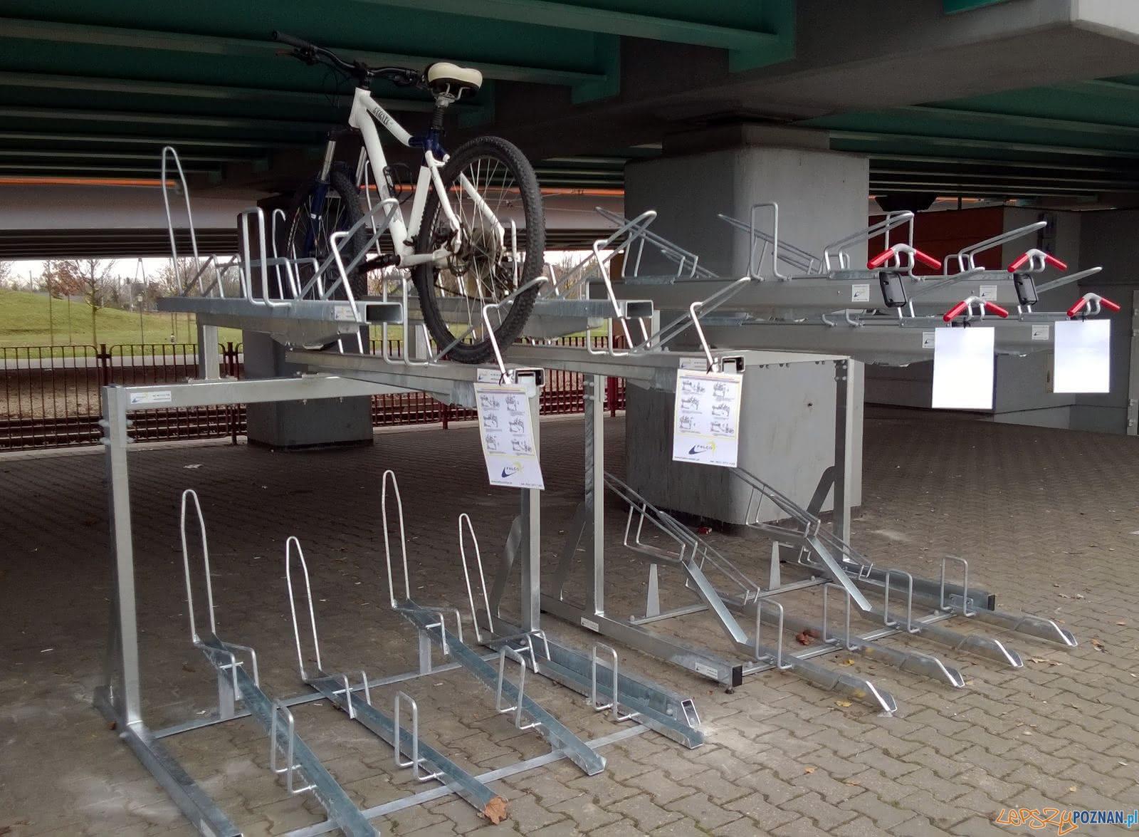 Dwupoziomowy stojak na rowery  Foto: ZTM