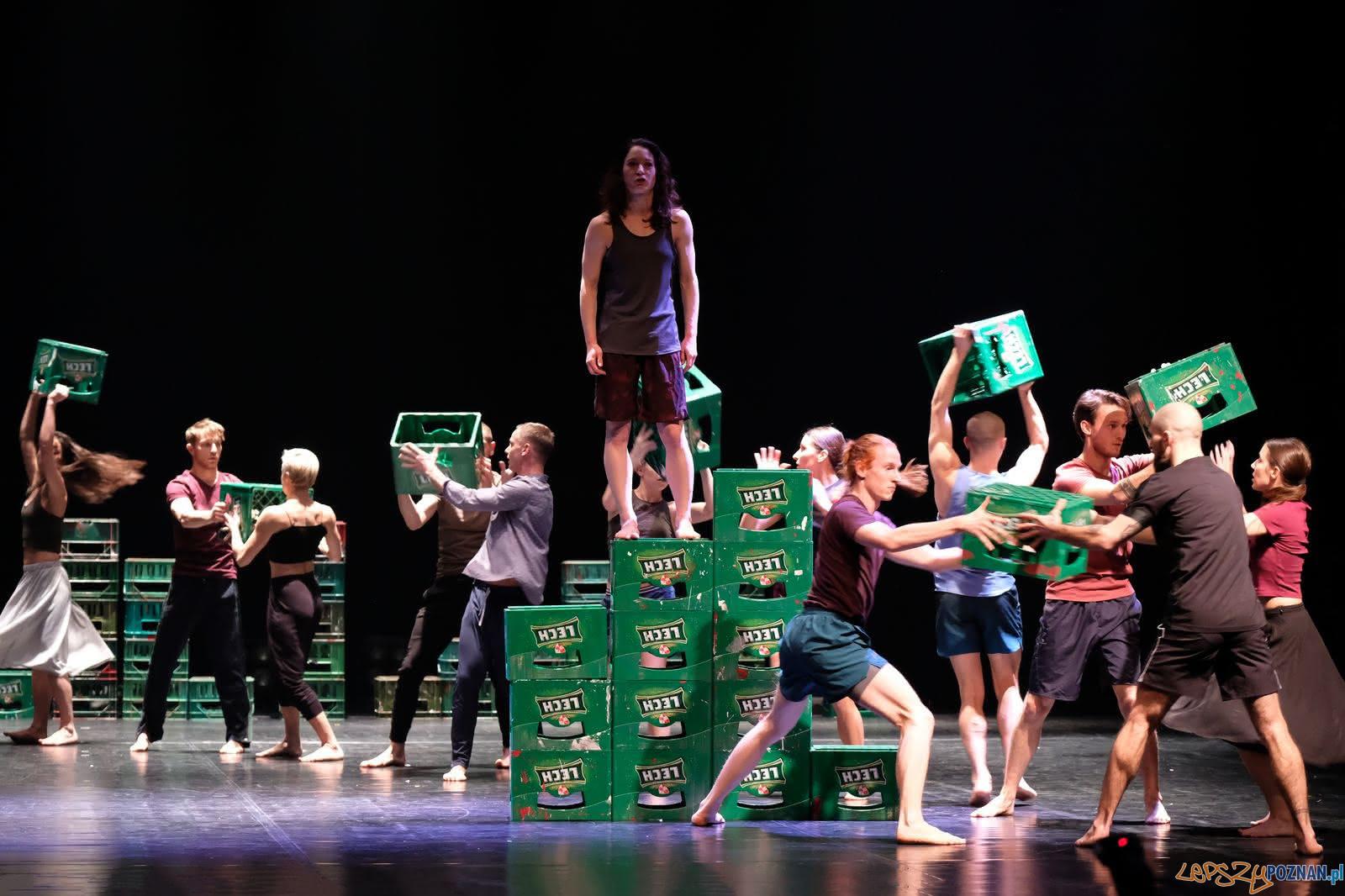 Solidaritot I Solidar-Noc - spektakl Polskiego Teatru Tańca i niemieckiego bodytalk  Foto: Andrzej Grabowski  / materiały PTT