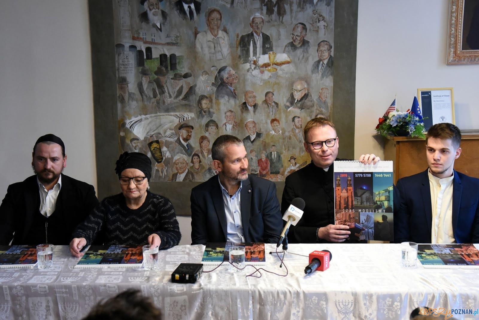 Kalendarz trzech religii - konferencjaj prasowa  Foto: UMP