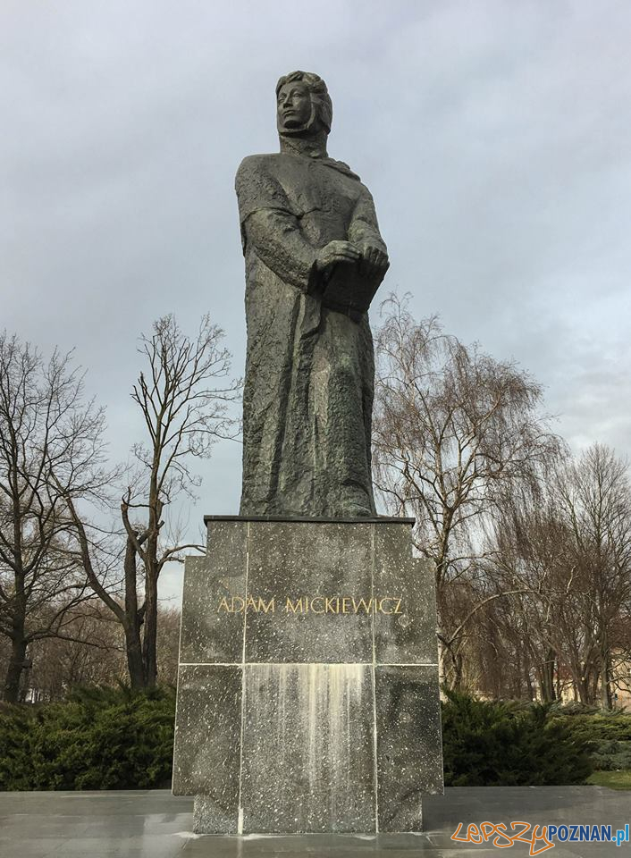 Bazyli Wojtowicz, Pomnik Adama Mickiewicza  Foto: materiały informacyjne UAP
