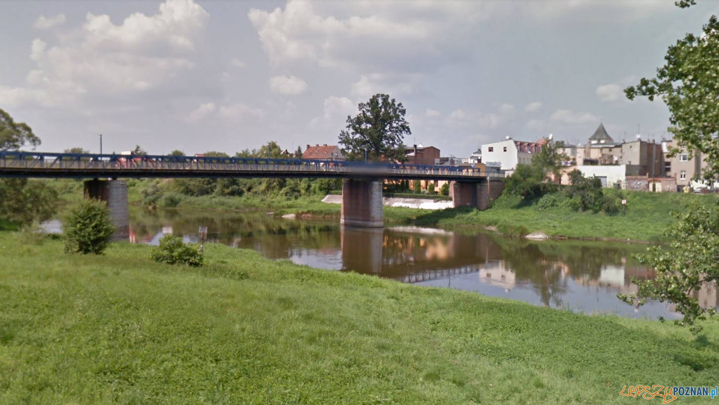 Oborniki - mały most nad Wartą  Foto: Google Street View