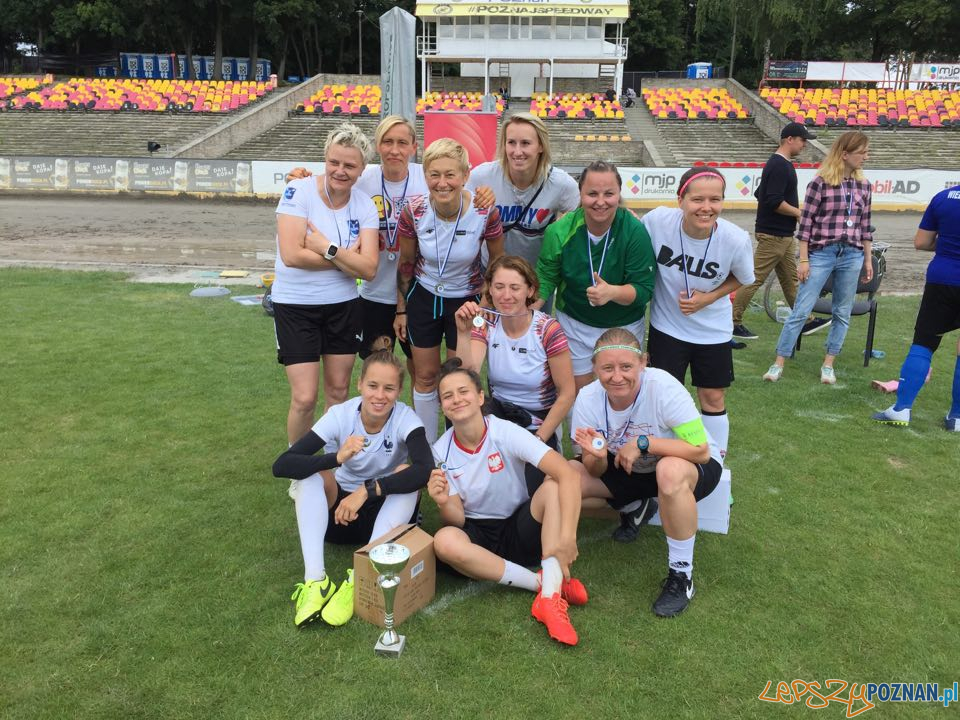 I miejsce - Babskie Granie 30+ turniej piłki nożnej kobiet  Foto: KU AZS UAM