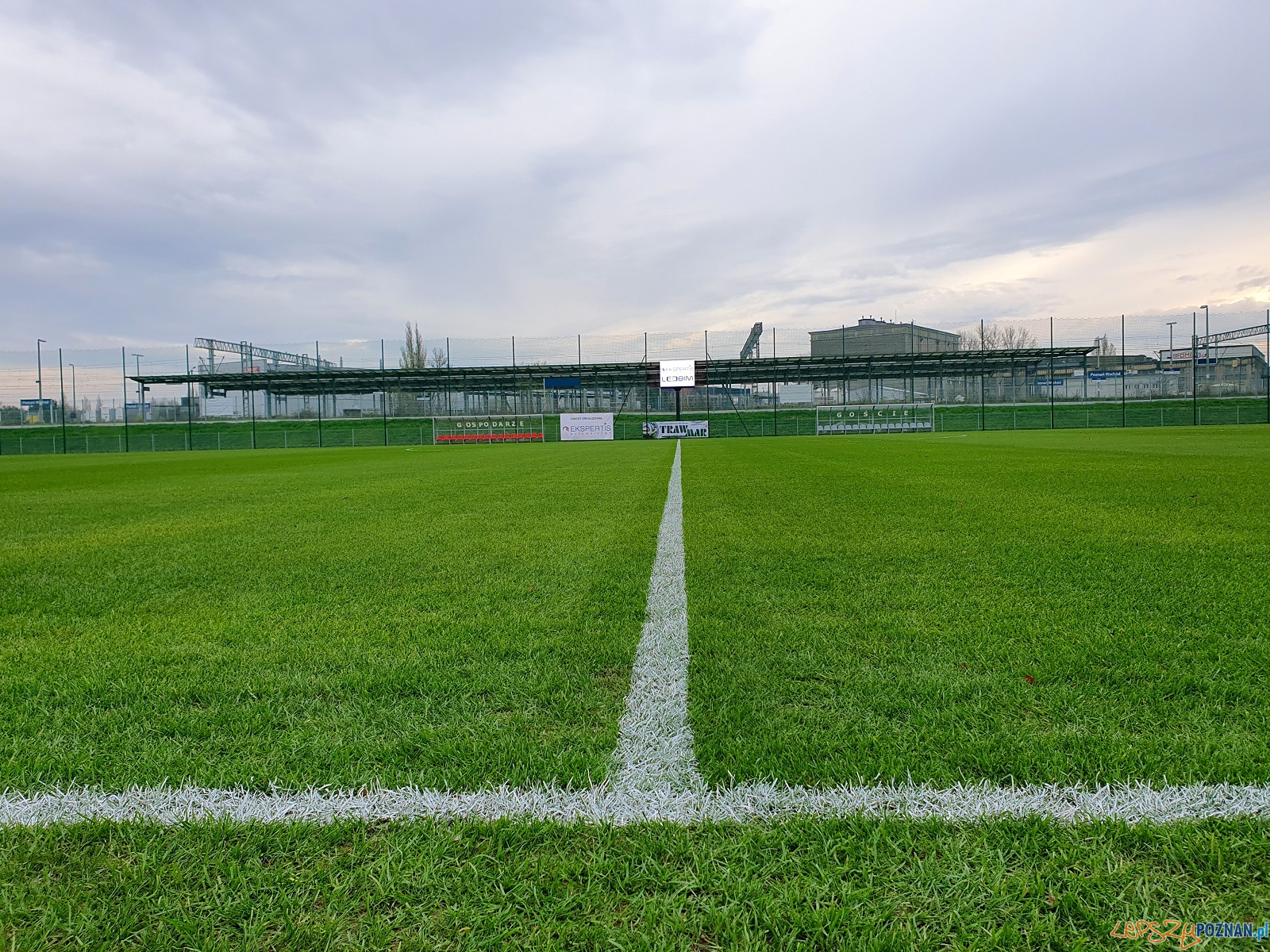 Zakończyła się modernizacja stadionu przy ul. Harcerskiej  Foto: materiały prasowe / UMP