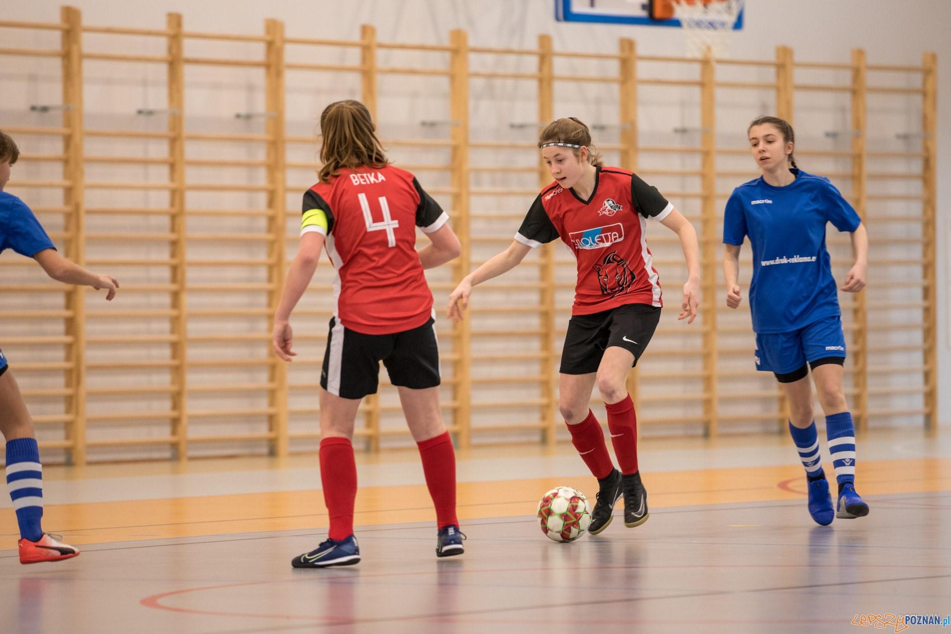 Piłka nożna dziewcząt (2)  Foto: Michał Kościelak / materiały prasowe