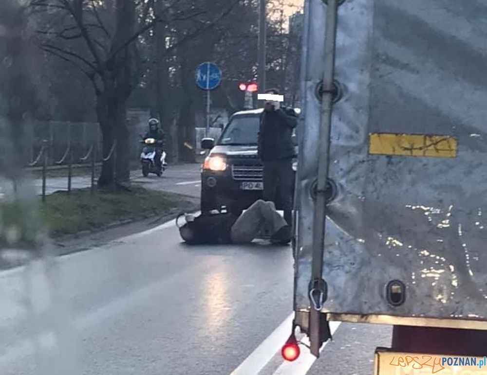 Wypadek na Dąbrowskiego  Foto: fb Gdzie jest wypadek w Poznaniu