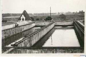 Osadniki i przepompownia osadu surowego na terenie Lewobrzeżnej Oczyszczalni Ścieków 1943 r.  Foto: Aquanet / materiały prasowe